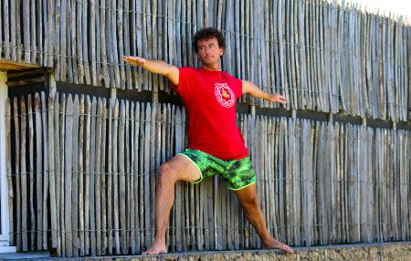 Un petit point concernant l'alignement de la dernière posture debout de la première série d'Ashtanga Yoga.